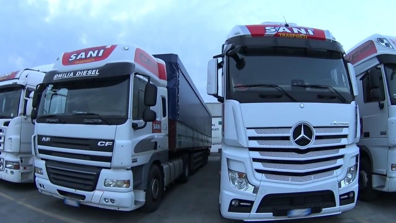 Автомобільні вантажоперевезення упали найбільше