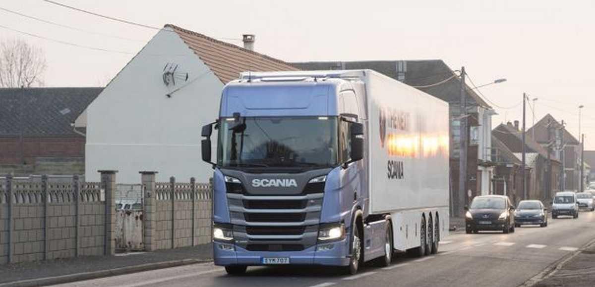 Великовантажні авто не потребуватимуть дозволів для руху дорогами загального користування в Польщі