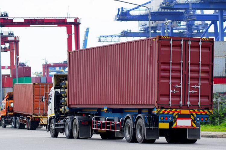 Ціни на доставку вантажів з Китаю до Європи зросли у 4,5 раза