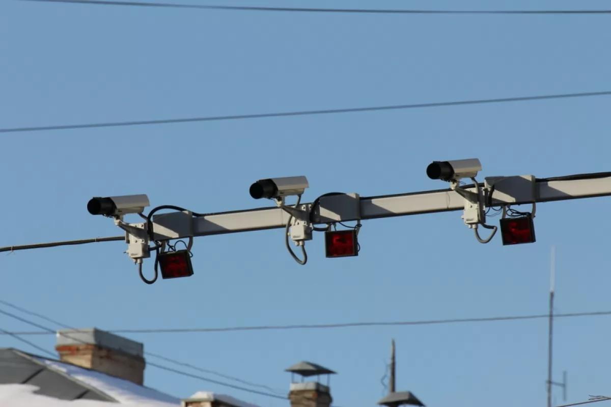 """На трасі """"Київ - Чоп"""" з'явилися камери відеофіксації порушень"""