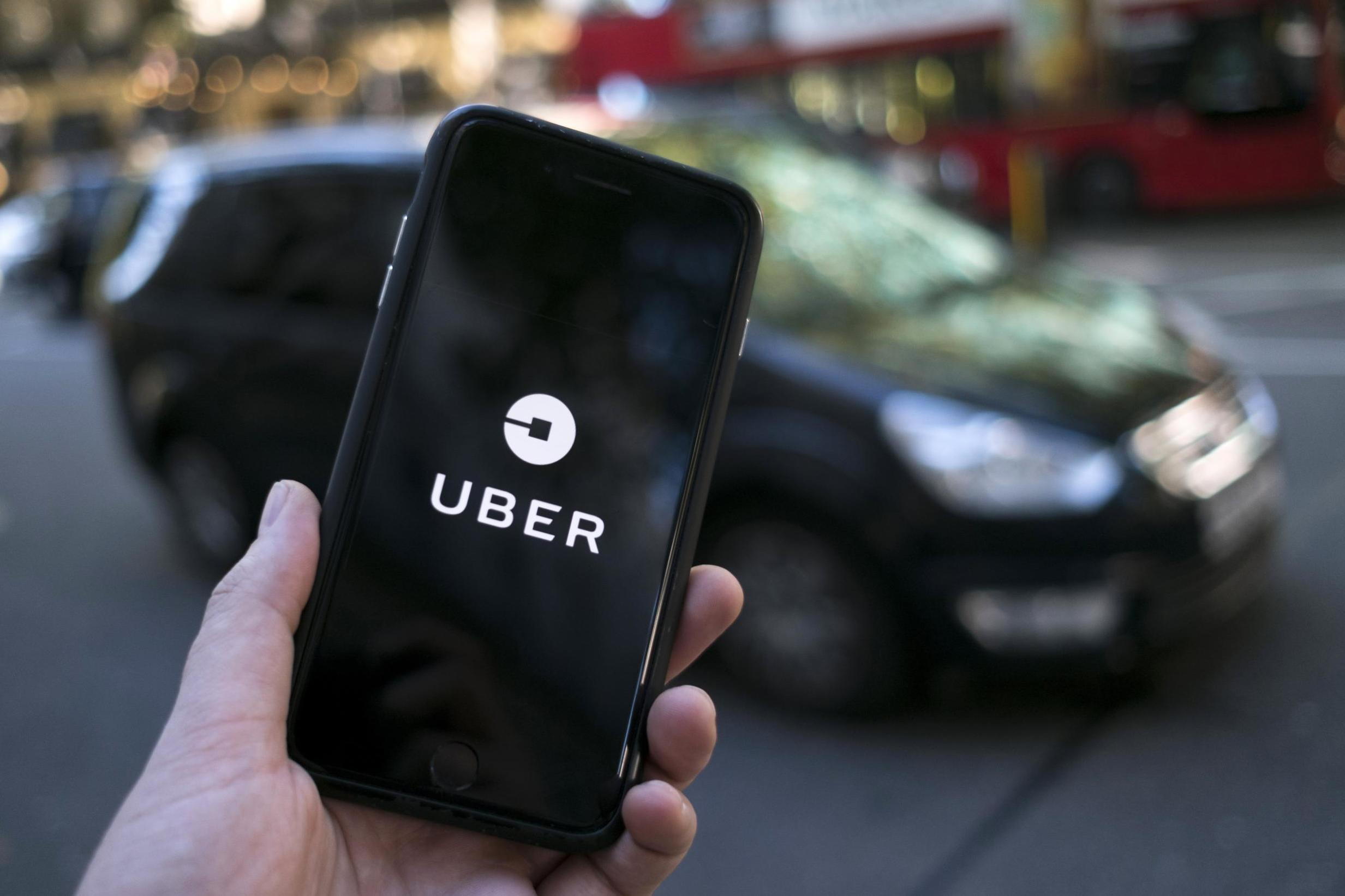 Uber в Україні більше не можна викликати по телефону