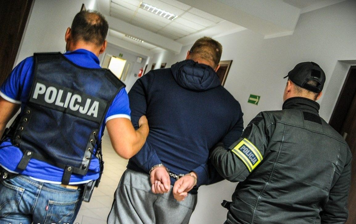 Заарештували шахраїв, які обдурили 600 транспортних компаній
