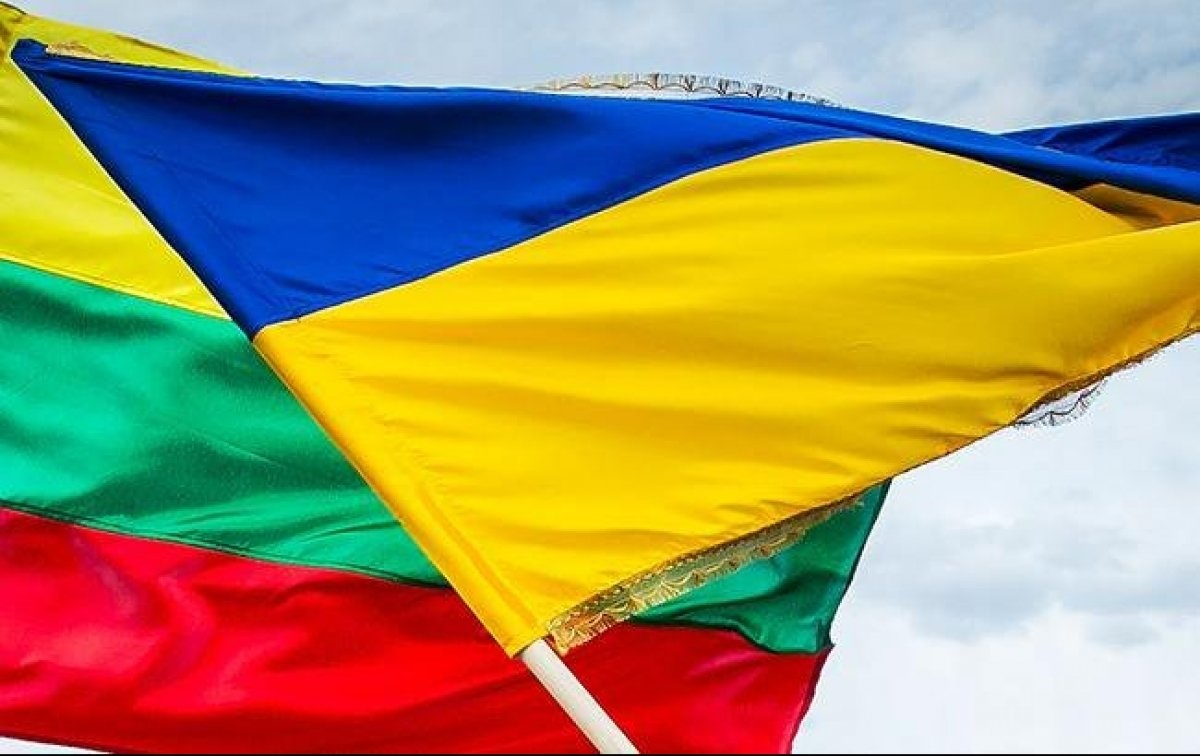 Україна і Литва домовилися про розширення автомобільних і залізничних перевезень