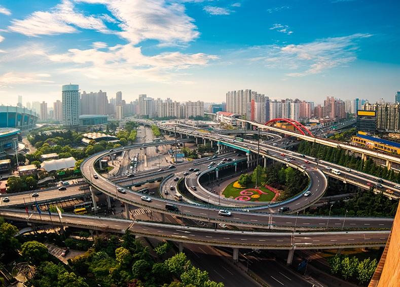 Китай за рік інвестував у транспорт та інфраструктуру понад пів трильйона доларів