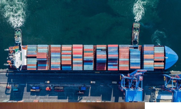 Світовий ринок контейнерних перевезень - під контролем 10 компаній