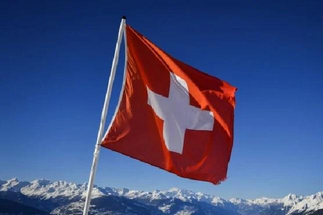 Швейцарія теж вирішила заборонити відпочинок у кабіні