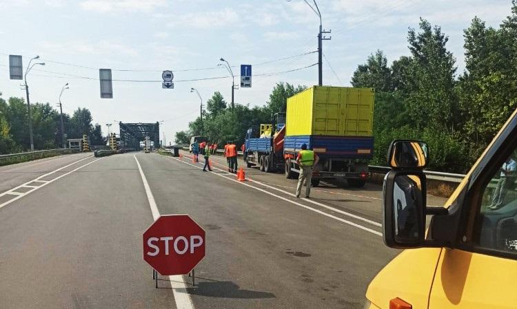 Це надовго. На кордоні України та Угорщини - ремонт моста через Тису