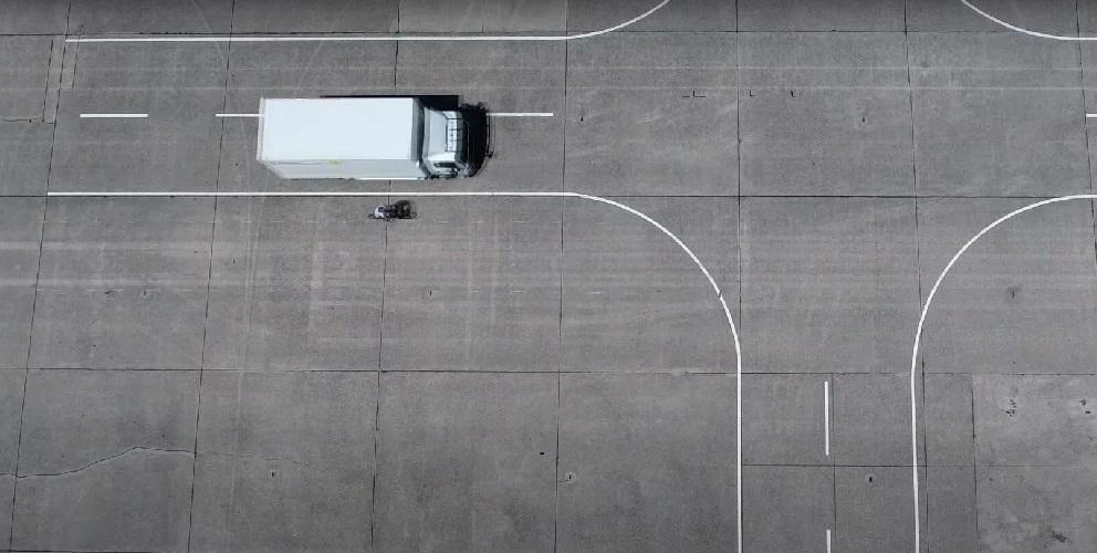 ADAC випробуваврадари«сліпих зон» для вантажівок. Результати - суперечливі