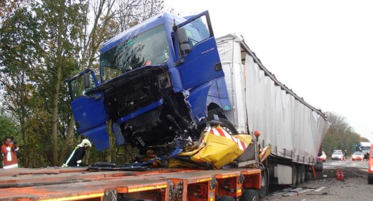 Водії вантажівок щораз частіше гинуть через ДТП наприкінці тягучки