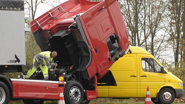 Нові правила надання техдопомоги на дорогах Іспанії