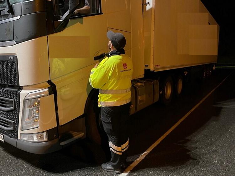 До 4 тис. євро – нові штрафи за порушення режиму водіння і відпочинку  в Норвегії